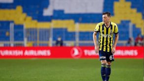 Fenerbahçe'de Mesut Özil şoku!
